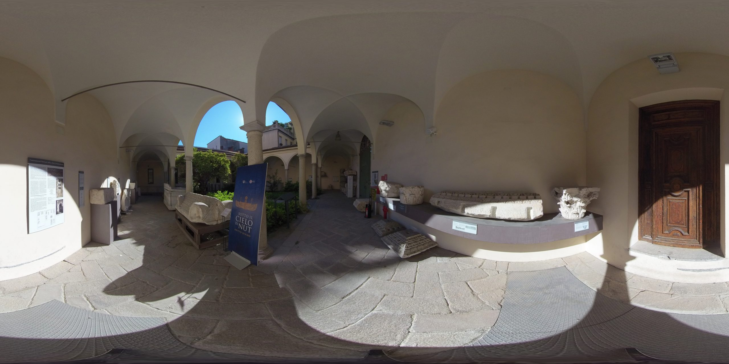 360 degree image archaeological museum